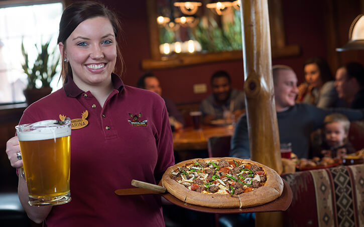 Moosejaw Pizza & Dells Brewing Co