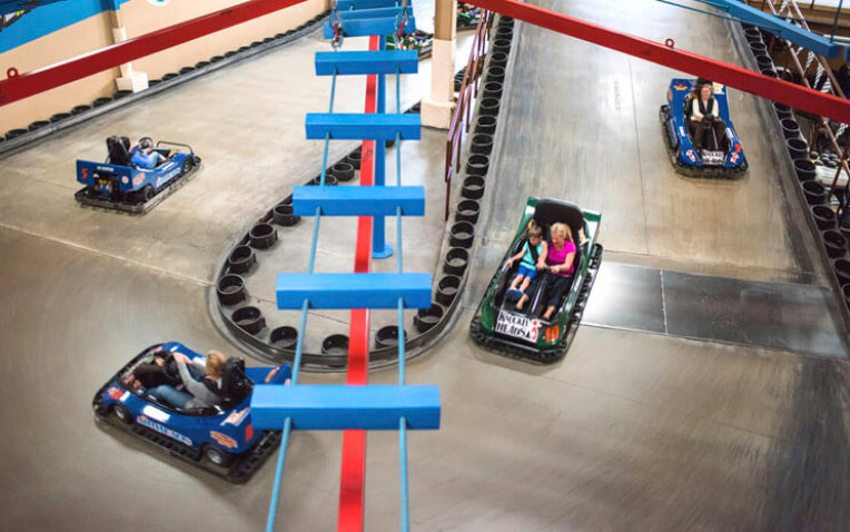 Knuckleheads Trampoline, Bowling & Indoor Amusement Park