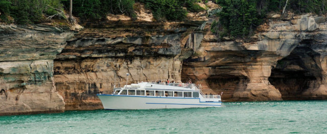 Boat Tours - Wisconsin Deals, Coupons, Complete Trip & Travel
